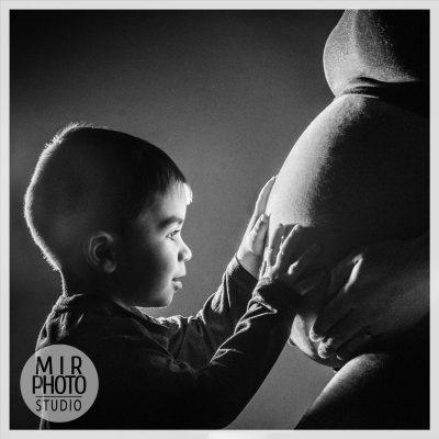 Séance photo femme enceinte en famille