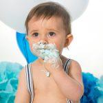 Smash the cake en studio pour un petit garçon