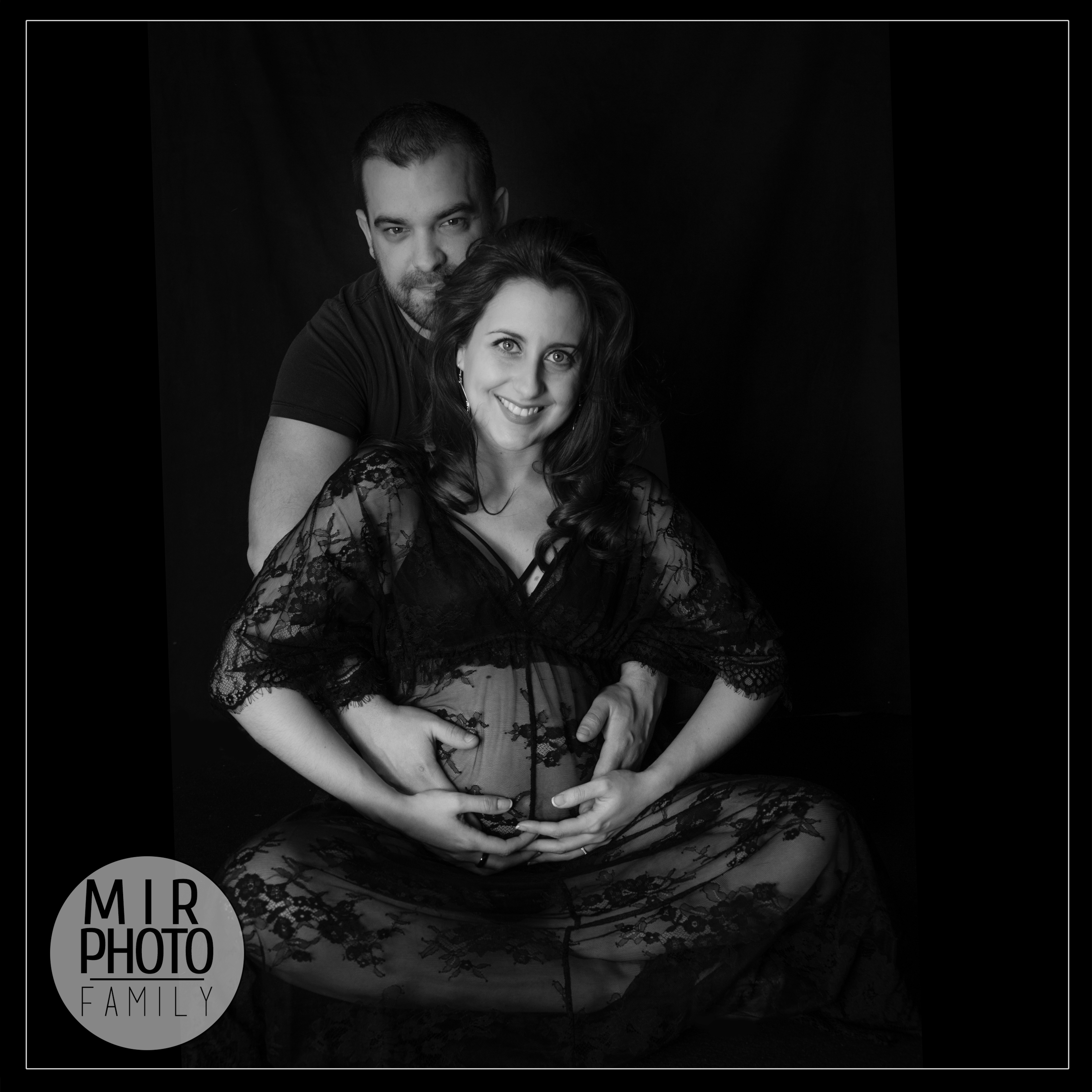 Future maman au studio photo