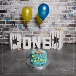 Smash the cake sur le thème des minions