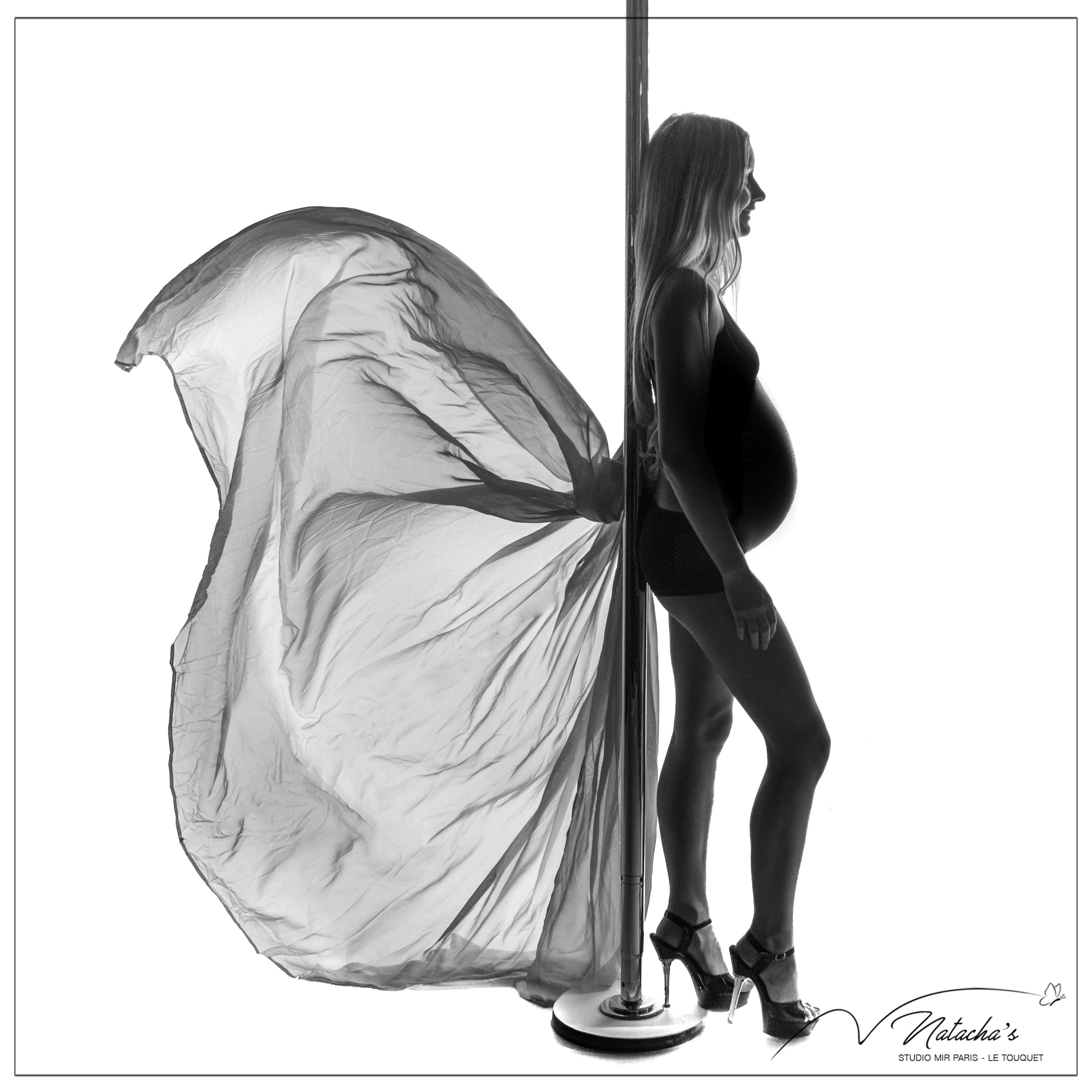 Photos pole dance pour femme enceinte