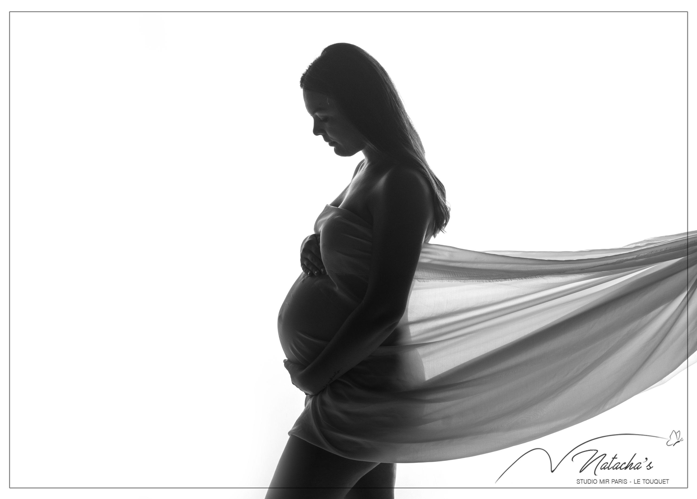 Photographe grossesse contre jour Val de Marne