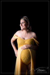 Photographe grossesse en studio dans le Val de Marne