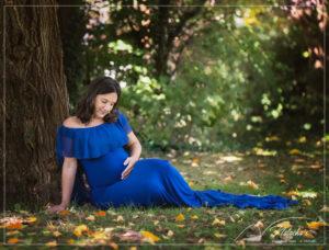 Photographe future maman extérieur dans le Val de Marne