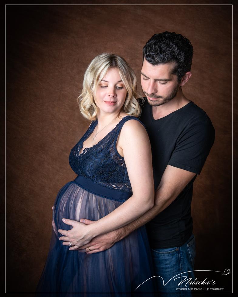 Photo de grossesse en studio à Saint-Maur des Fossés