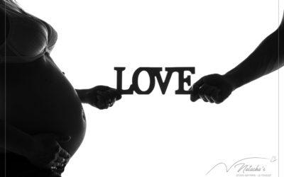 Shooting future maman en famille en contre-jour – 94