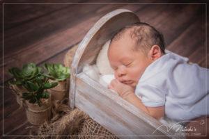 Photo nouveau-né en famille à Saint-Maur des Fossés