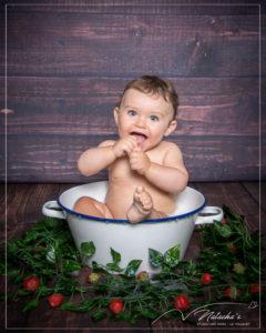 Shooting bébé bain de lait en région parisienne