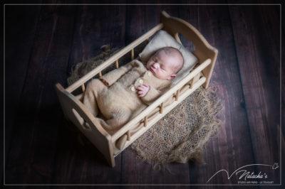 Photographe naissance : séance photo bébé avec décors dans le Val-de-Marne