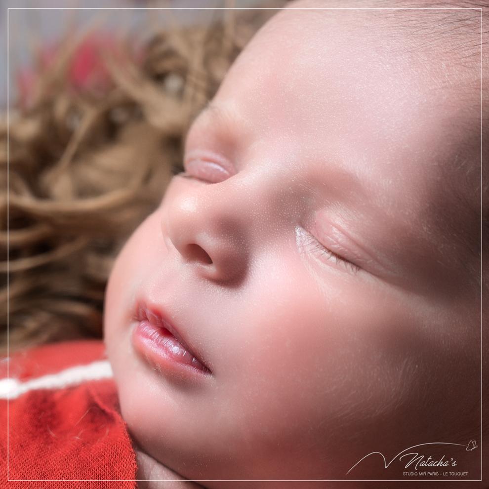 Séance photo naissance en studio photo professionnel dans le Val de Marne