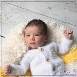 Shooting nouveau-né en studio photo à Saint Maur des Fossés