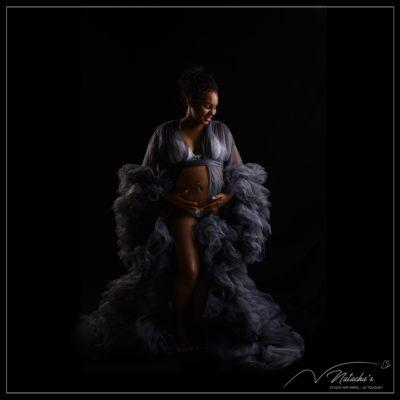 Séance photo grossesse avec robes dans le Val de Marne