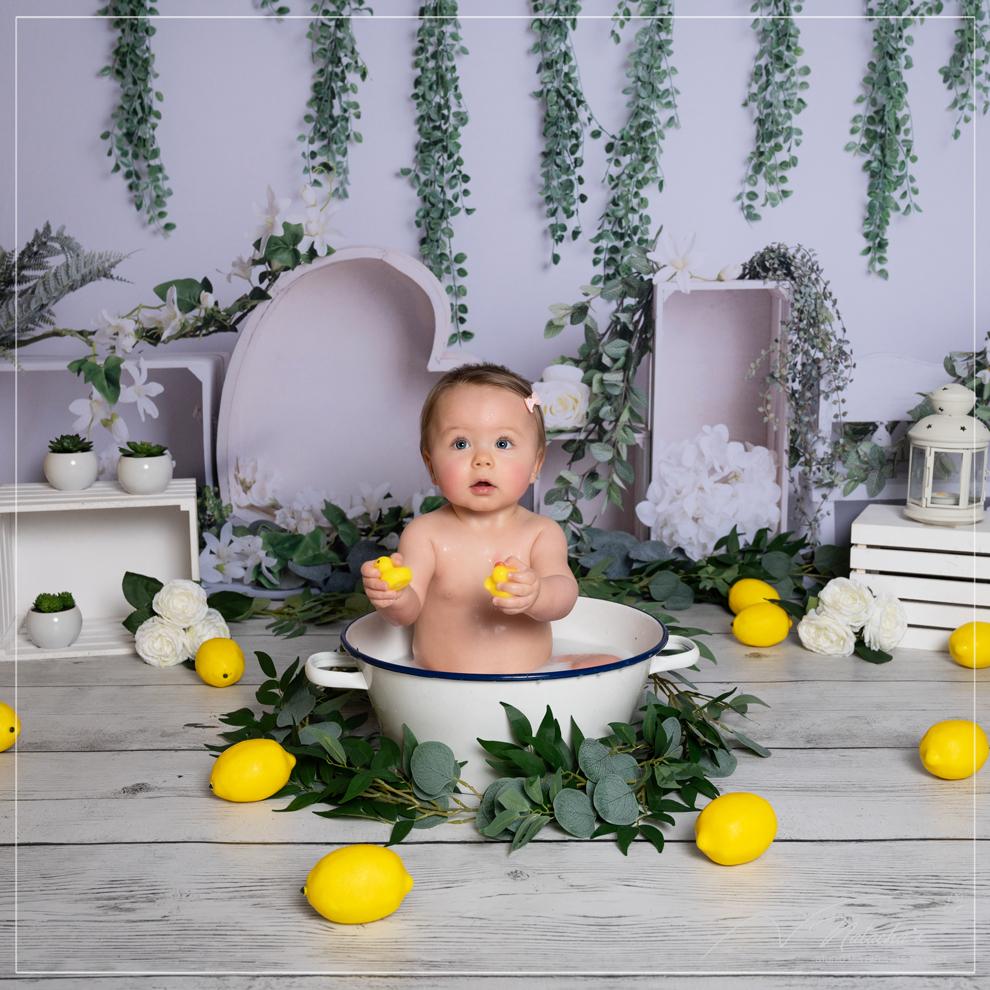 Bain de lait bébé - shooting à thème à Saint Maur des Fossés