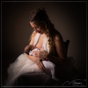 Séance photo allaitement maman et moi dans le Val-de-Marne