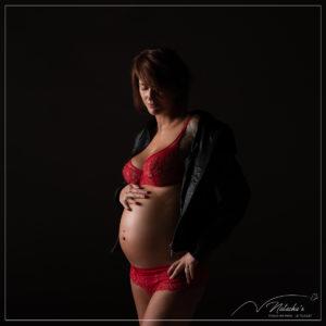 Shooting grossesse rock pour future maman en région parisienne
