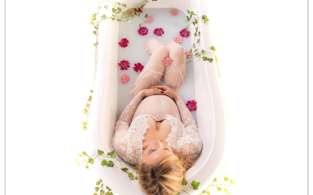 Photographe grossesse bain de lait en Ile-de-France