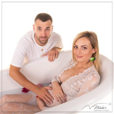 Shooting grossesse bain de lait près de Paris en Ile-de-France